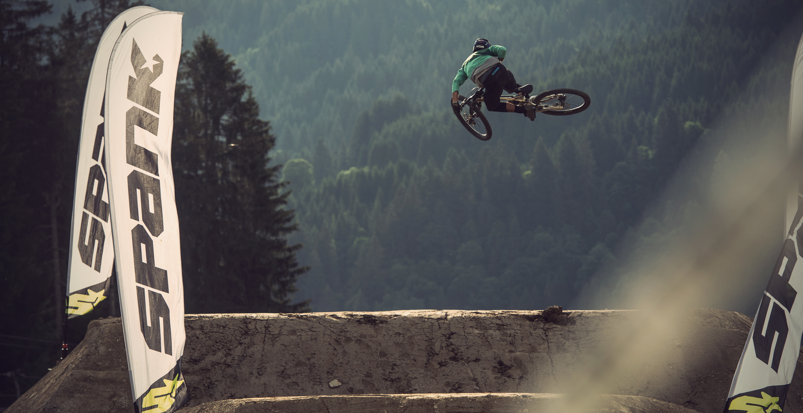 Amir Kabbani at the Crankworx Les Gets Whip-Off Session