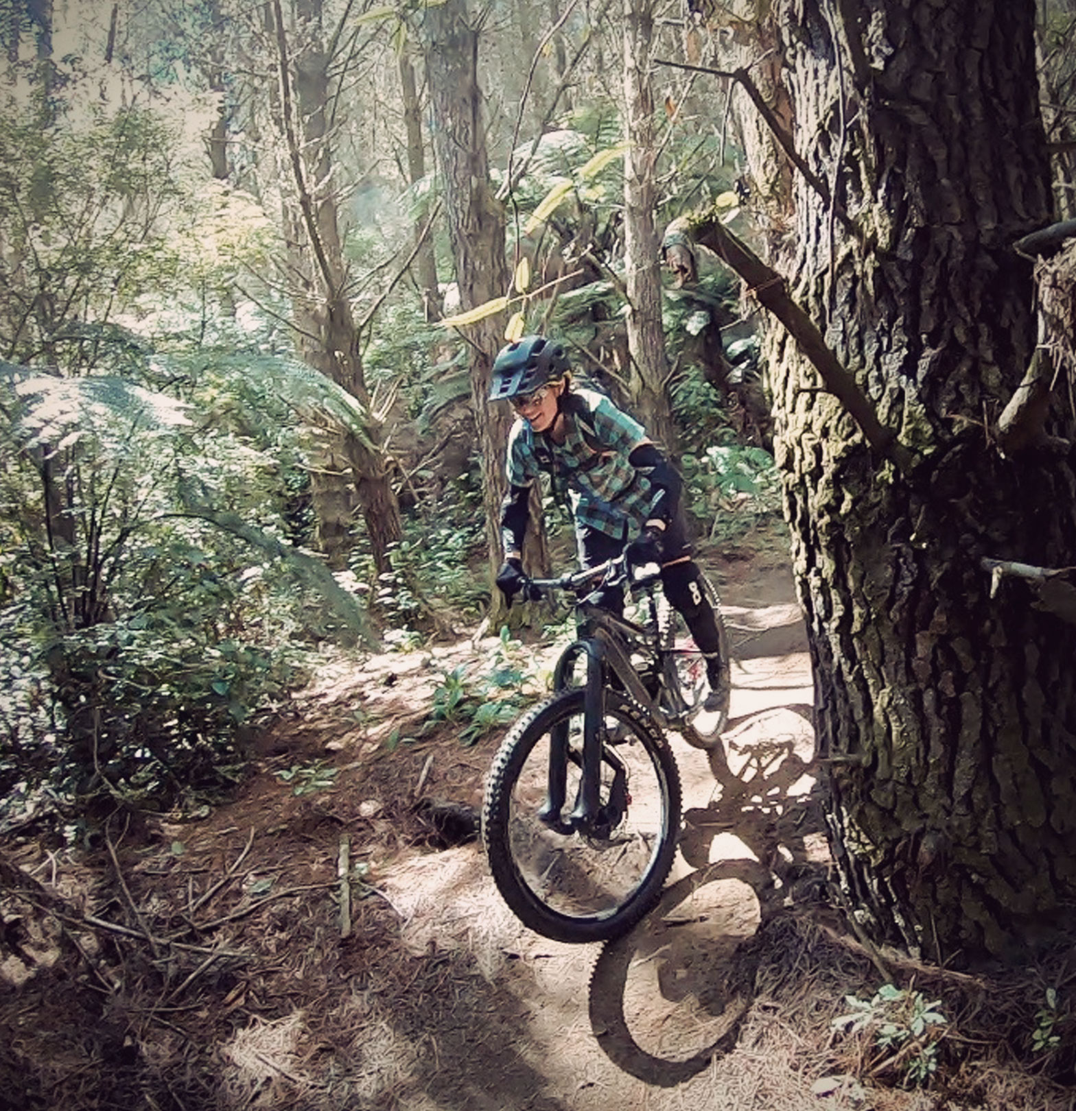 Mary McConneloug mountain biker TSG Dermis A Elbow-Sleeves