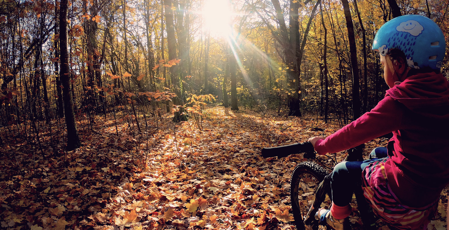 What Mountainbiking really is about. Timo Pritzel's daugther enjoys the nature