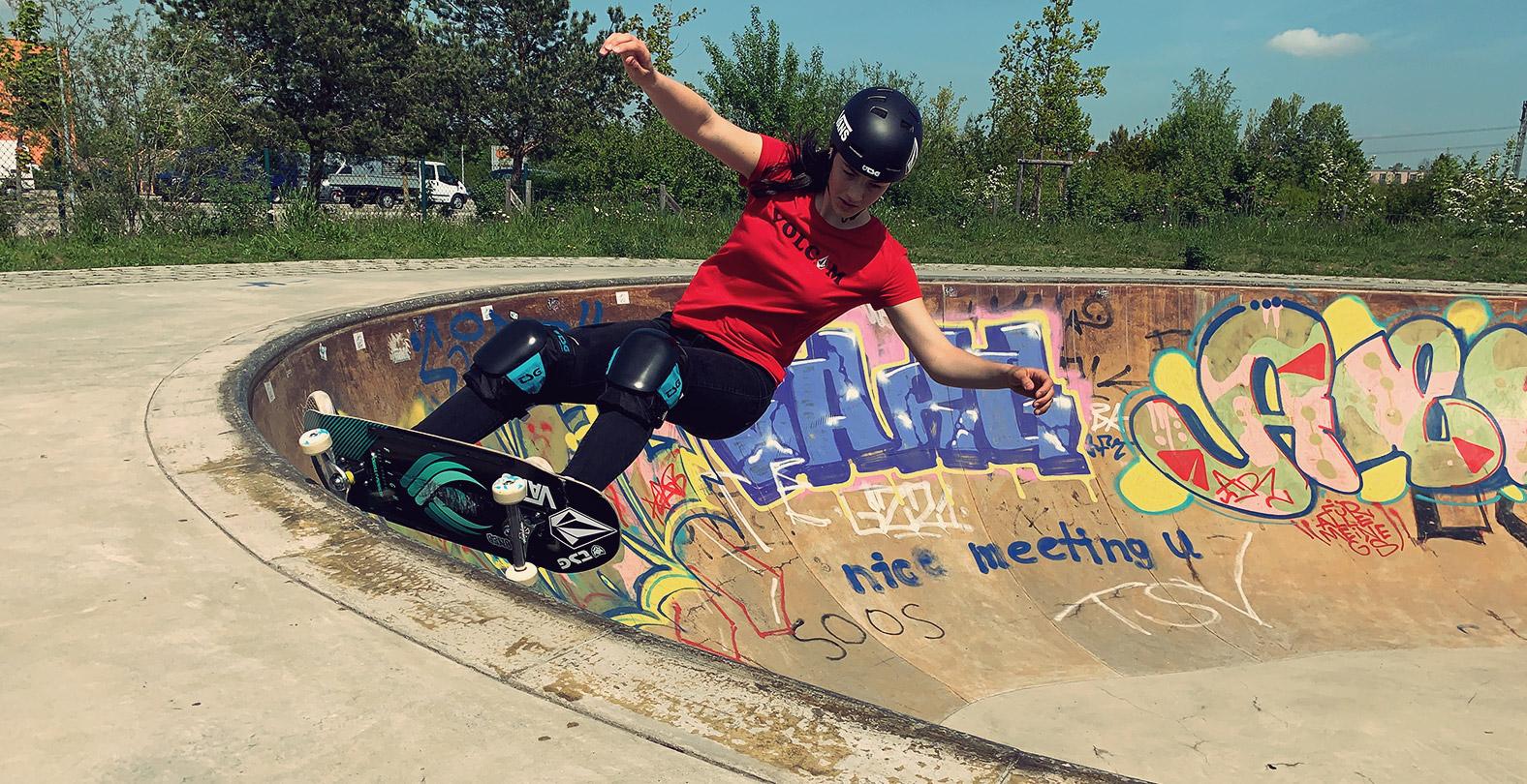 Leilani Ettel skateboarding bowl