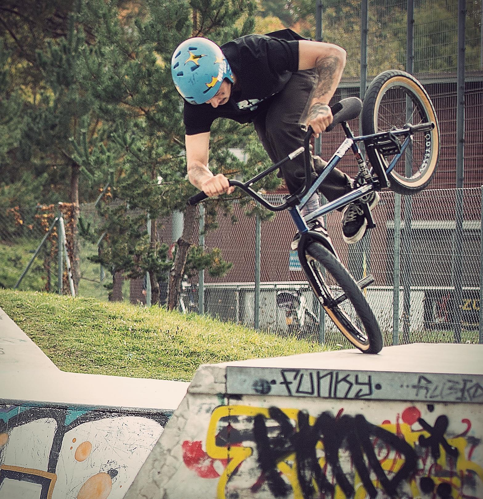 Bmx skatepark zurich Alessio tonoli