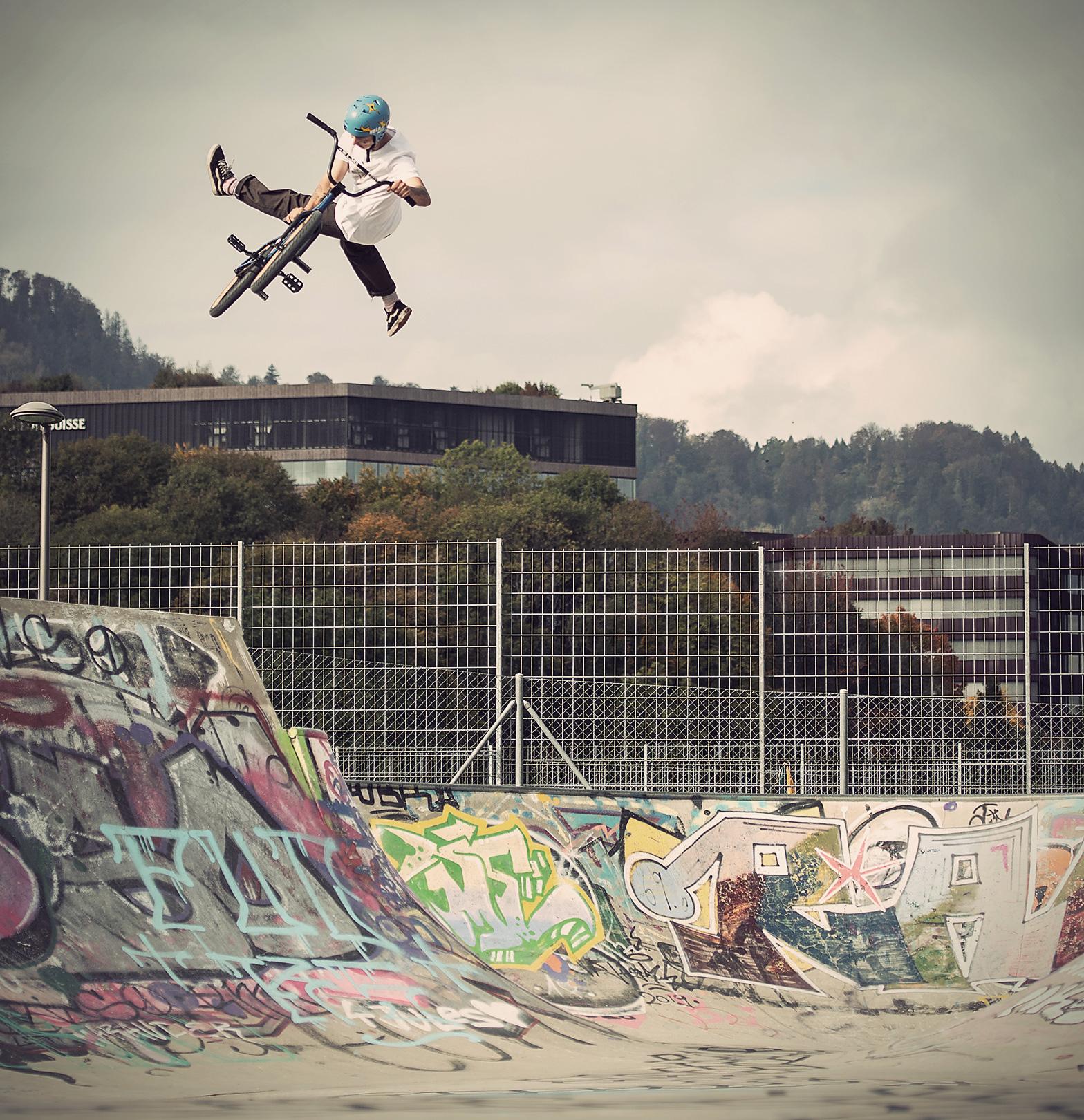 Indian Air by Alessio Tonoli in skatepark zurich
