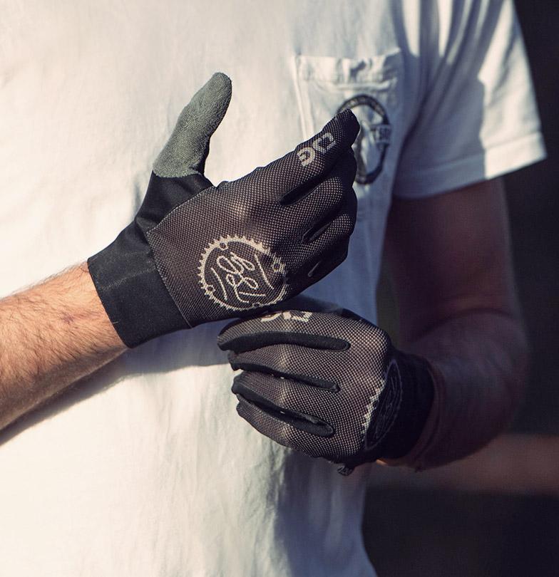 mtb glove TSG catch glove