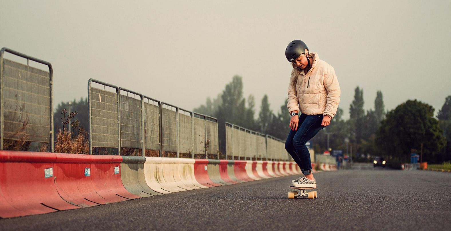 Aimee Fuller skateboarding