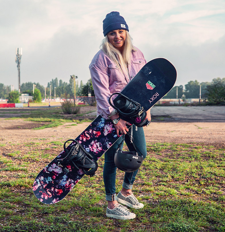Aimee Fuller with snowboard