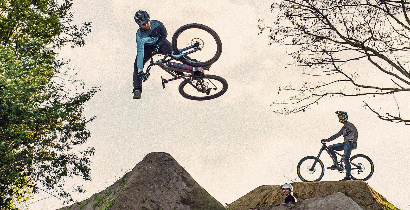 Dirt Biker Timo Pritzel jumping over kickers.